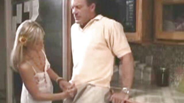 En porno casero MFM en cámara chica es señoras mexicanas cachondas follada con doble penetración