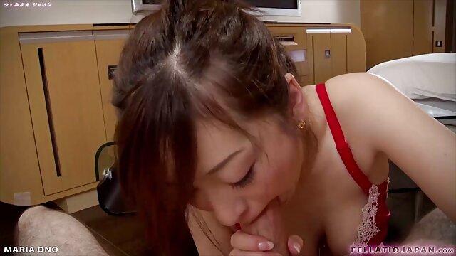 Chica con curvas con un hermoso culo señoras mexicanas cojelonas hace una mamada y se la follan por el coño