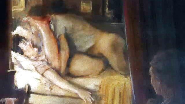 Extienda a señoras amateur mexicanas una novia pelirroja en la cama y follada en una raja caliente