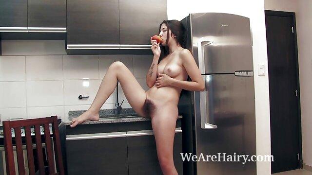 Inserta una señoras mexicanas mamando gran polla en la boca trabajadora de una encantadora novia rusa