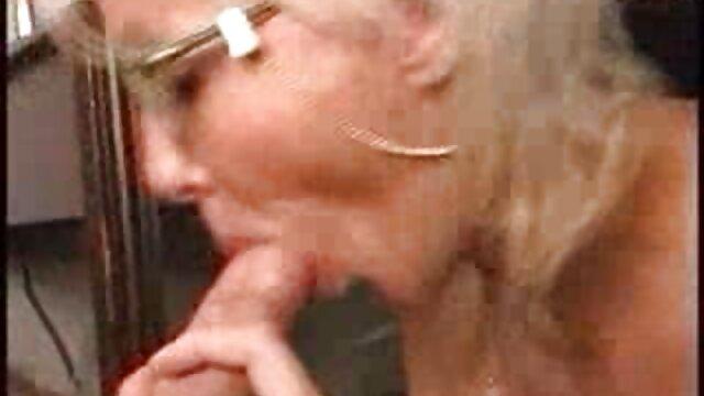 Los chicos follaron a una anciana hambrienta videos de señoras maduras mexicanas en su casa