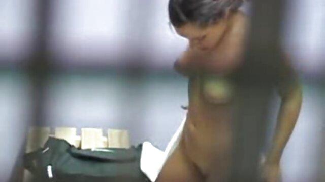Pisotear en medias convierte videos de señoras mexicanas cogiendo a una jugosa pelirroja en su novio