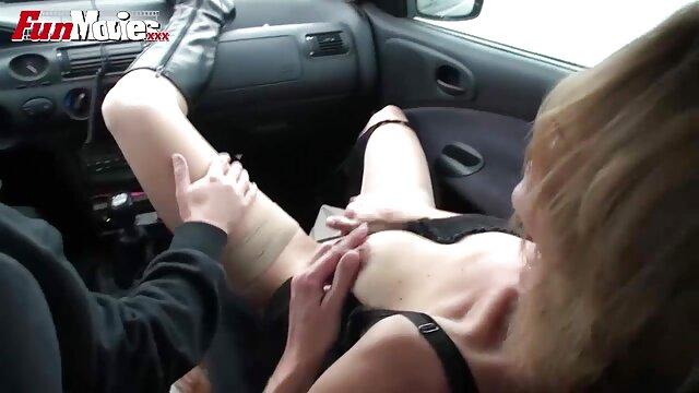 Chica satisface a su amado marido con el coño mojado en el sofá señoras xxx mexicanas