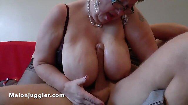 Una chica en lencería sexy se masturba los agujeros con varios juguetes videos pornos señoras mexicanas