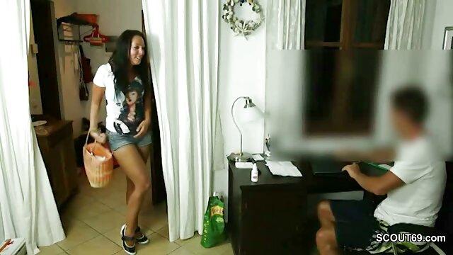 Una chica esbelta de hermoso cuerpo se acercó señoras mexicanas cachondas a este masajista, sabiendo que se la follará