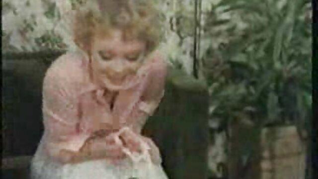 El masajista penetró tres agujeros del cliente señoras mexicanas cojiendo