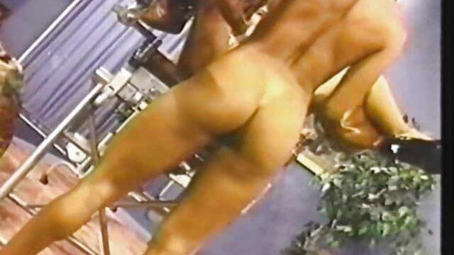 El estrecho ano del chico señoras mexicanas calientes xxx se arranca del arnés de la chica.
